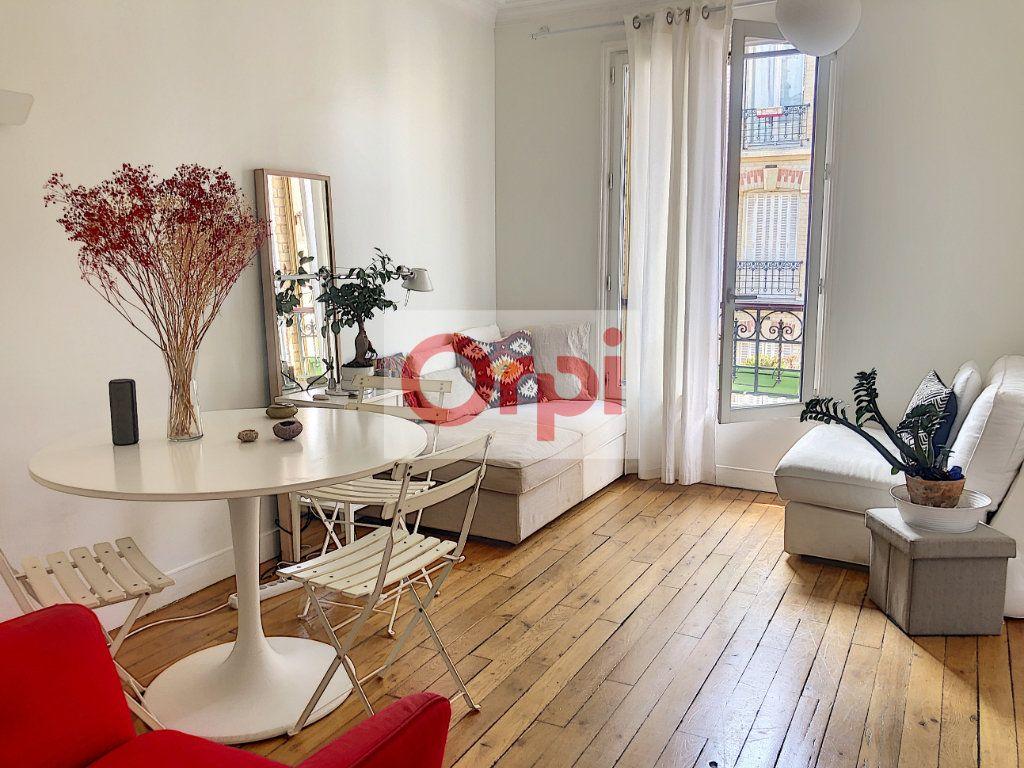 Appartement à louer 3 50m2 à Paris 14 vignette-1
