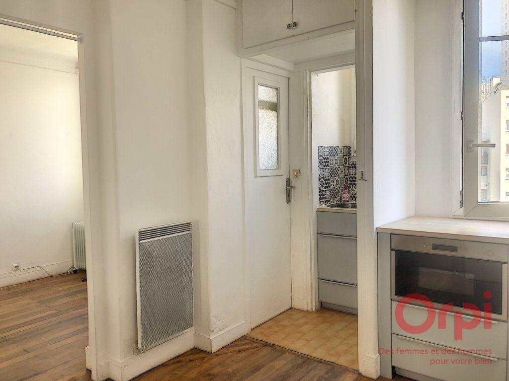 Appartement à louer 2 22.38m2 à Paris 13 vignette-1
