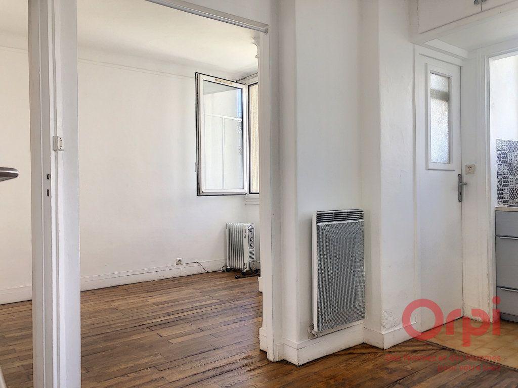 Appartement à louer 2 22.38m2 à Paris 13 vignette-4