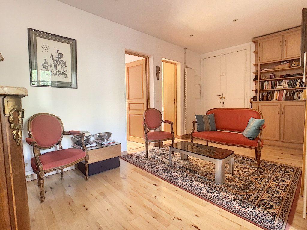 Appartement à vendre 3 53.25m2 à Paris 14 vignette-2