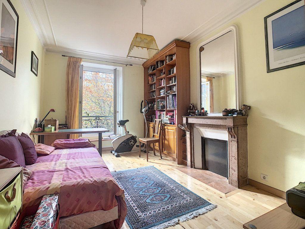 Appartement à vendre 3 53.25m2 à Paris 14 vignette-6