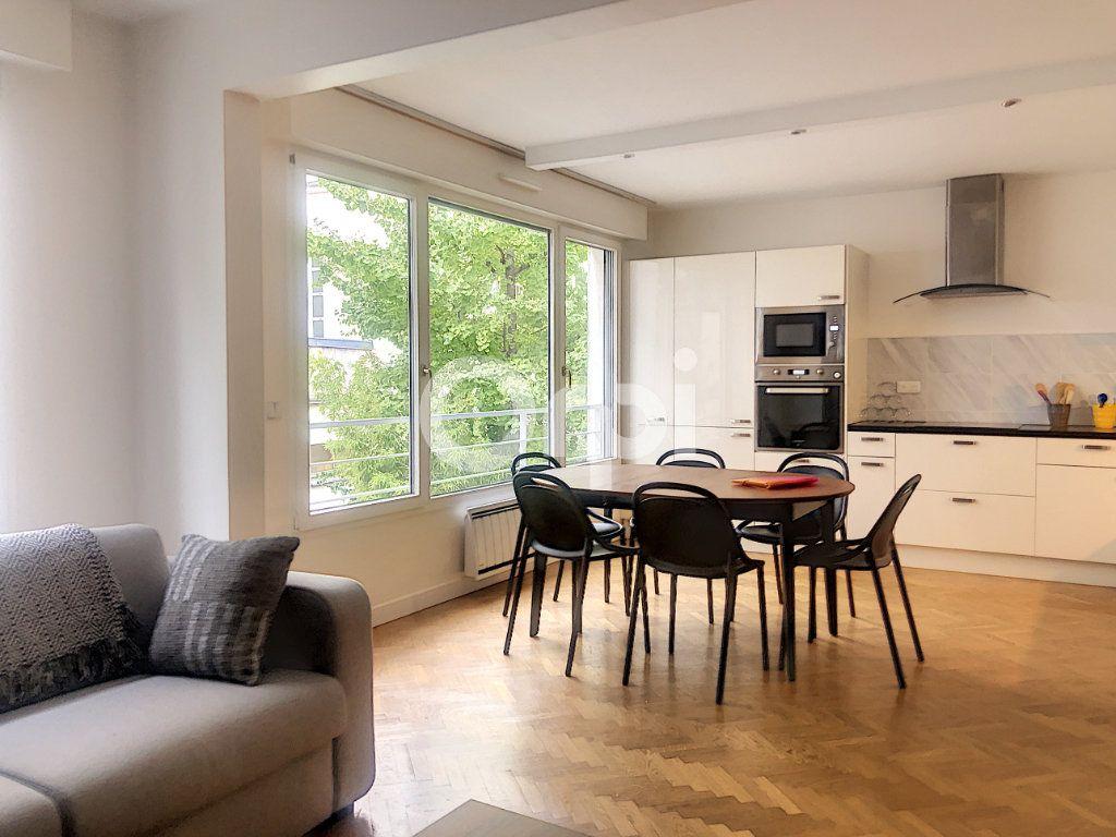 Appartement à louer 2 58m2 à Paris 12 vignette-1