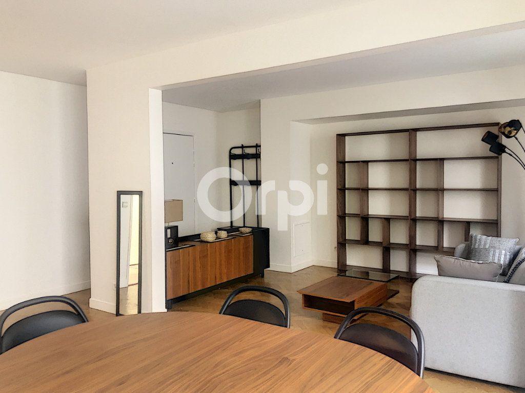 Appartement à louer 2 58m2 à Paris 12 vignette-4