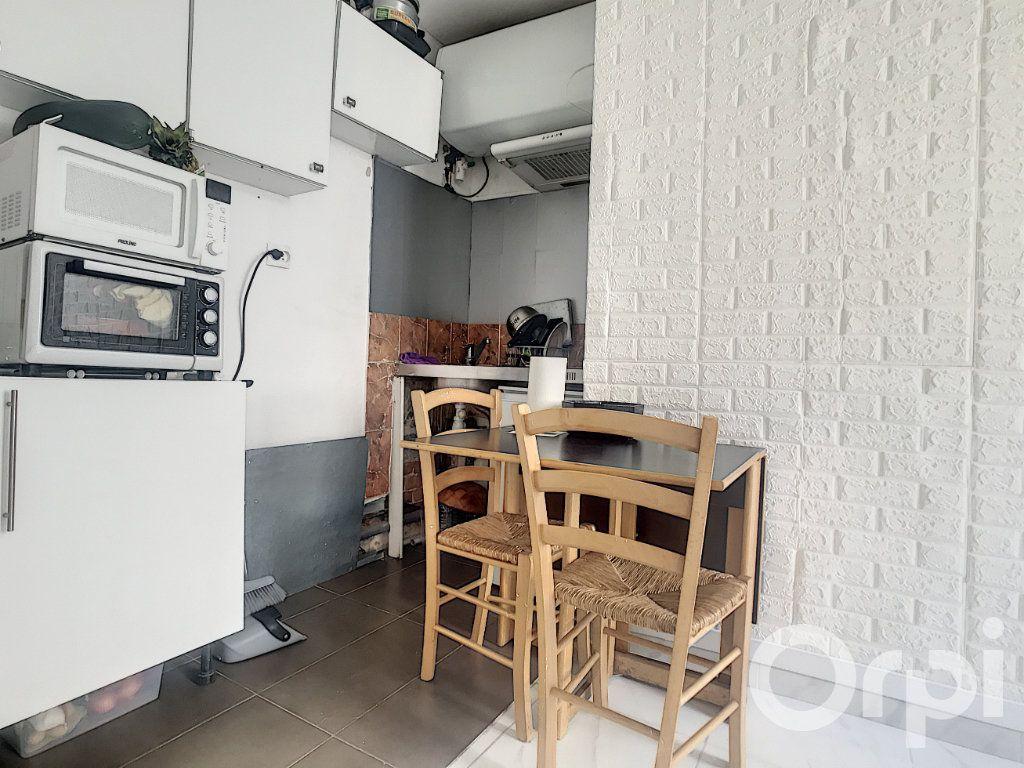 Appartement à vendre 2 21.85m2 à Paris 14 vignette-4