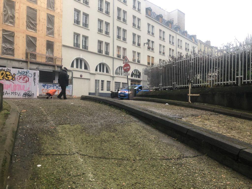 Stationnement à louer 0 0m2 à Paris 10 vignette-3