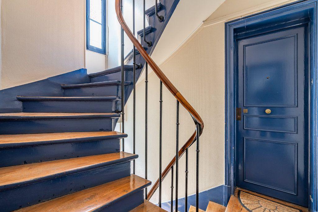 Appartement à vendre 3 42.71m2 à Paris 14 vignette-2