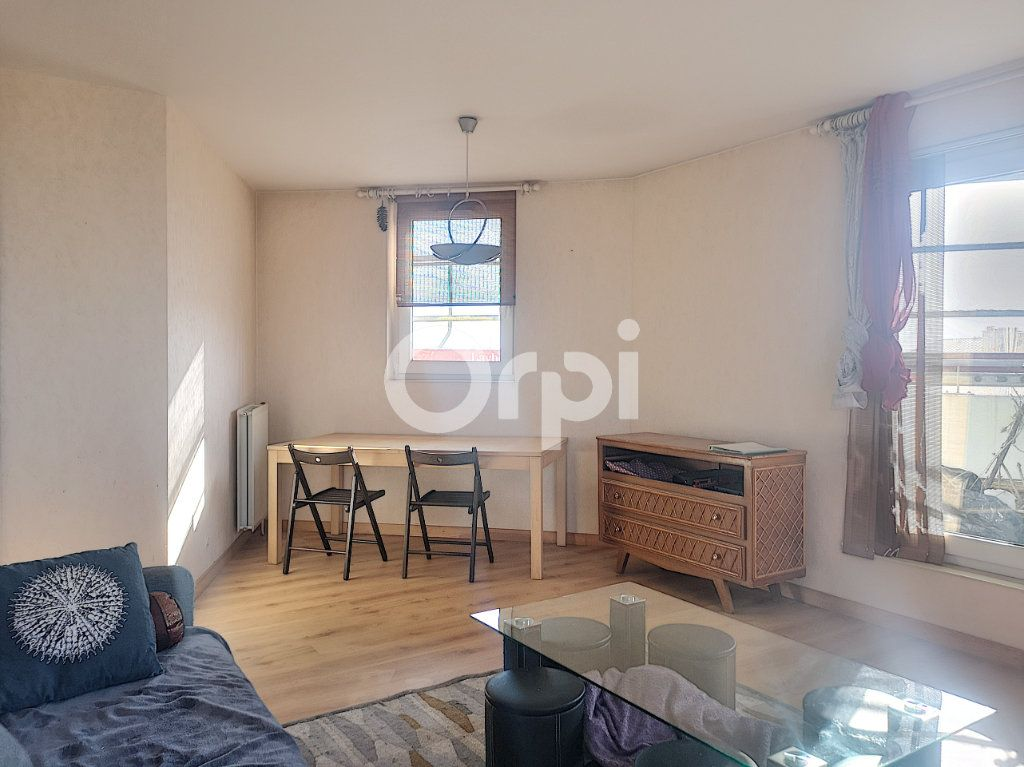 Appartement à vendre 3 69.77m2 à Créteil vignette-5