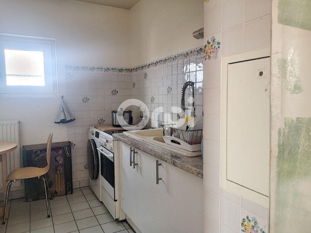Appartement à vendre 3 69.77m2 à Créteil vignette-6