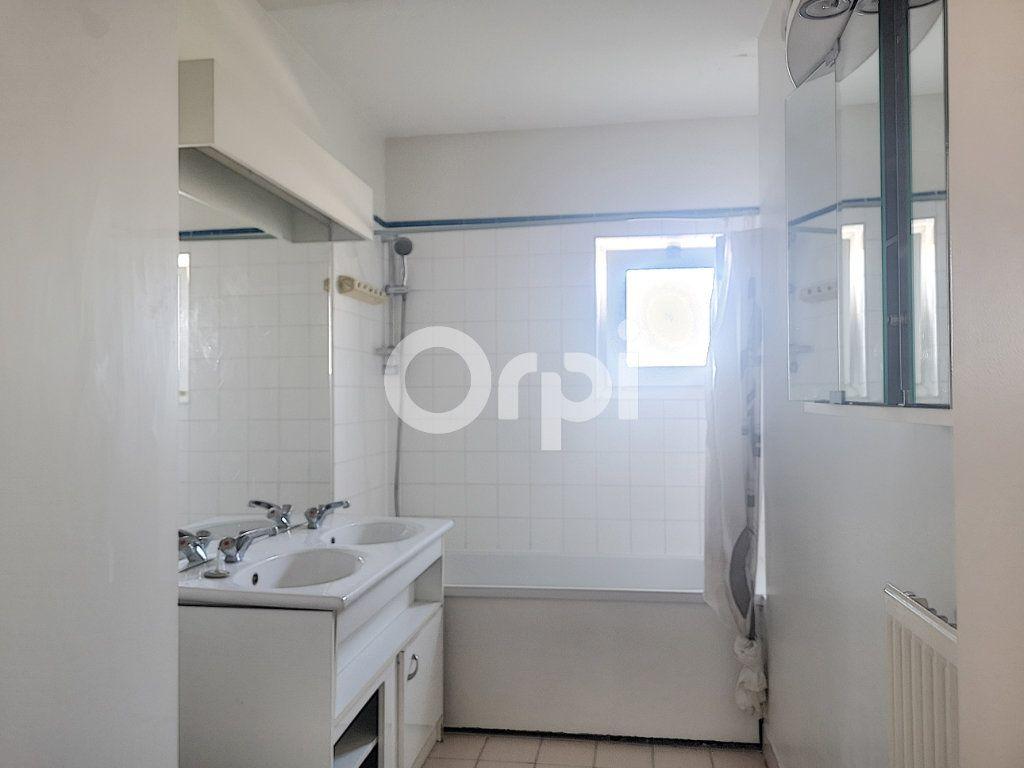 Appartement à vendre 3 69.77m2 à Créteil vignette-8