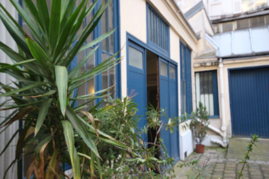Appartement à vendre 6 167.5m2 à Paris 9 vignette-1