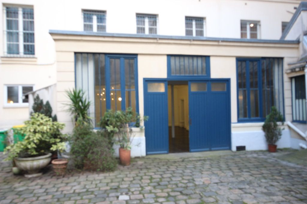 Appartement à vendre 6 167.5m2 à Paris 9 vignette-2
