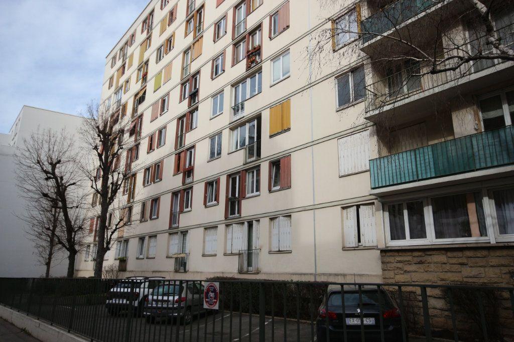 Appartement à vendre 4 62m2 à Paris 15 vignette-1
