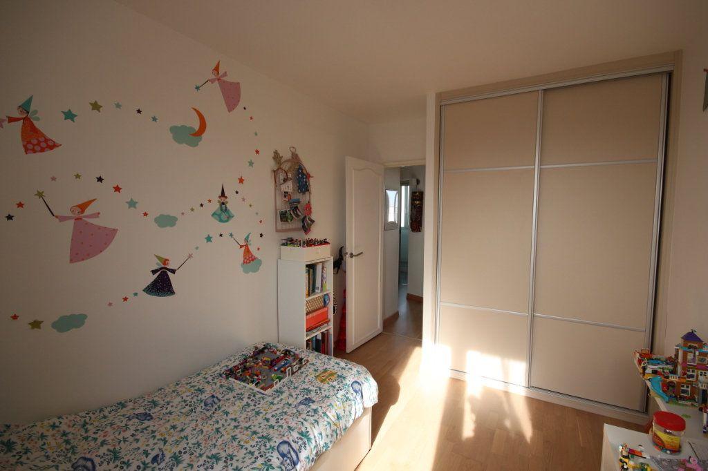 Appartement à vendre 4 62m2 à Paris 15 vignette-8