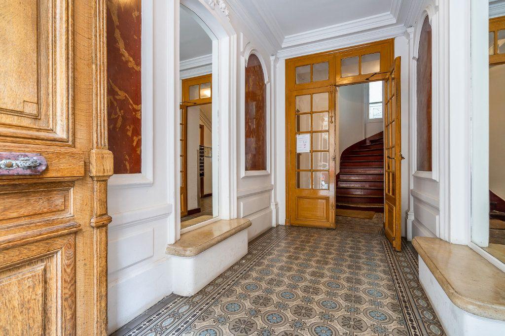 Appartement à vendre 2 33.19m2 à Paris 14 vignette-2