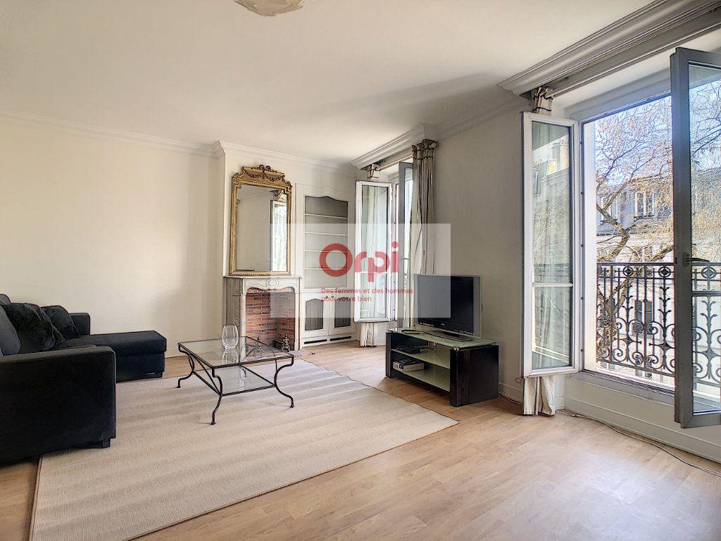 Appartement à louer 2 52m2 à Paris 14 vignette-1
