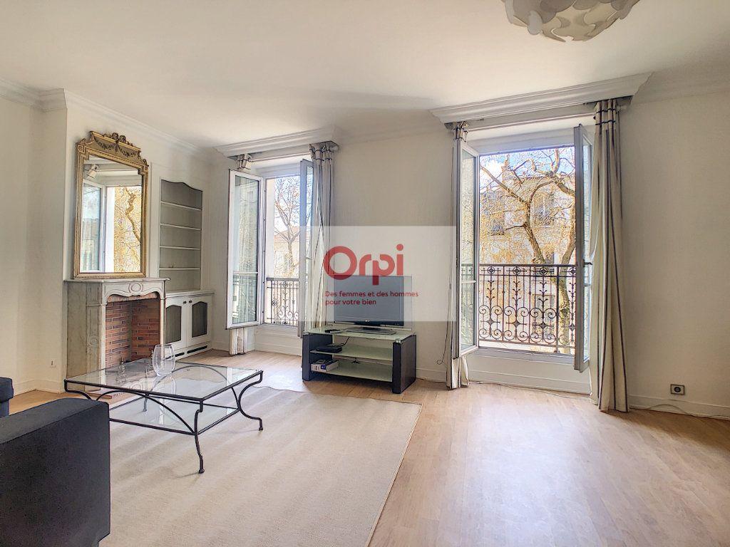 Appartement à louer 2 52m2 à Paris 14 vignette-2