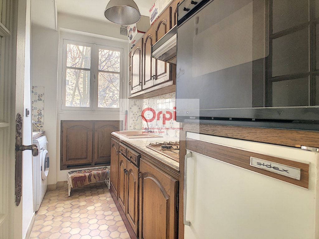 Appartement à louer 2 52m2 à Paris 14 vignette-5