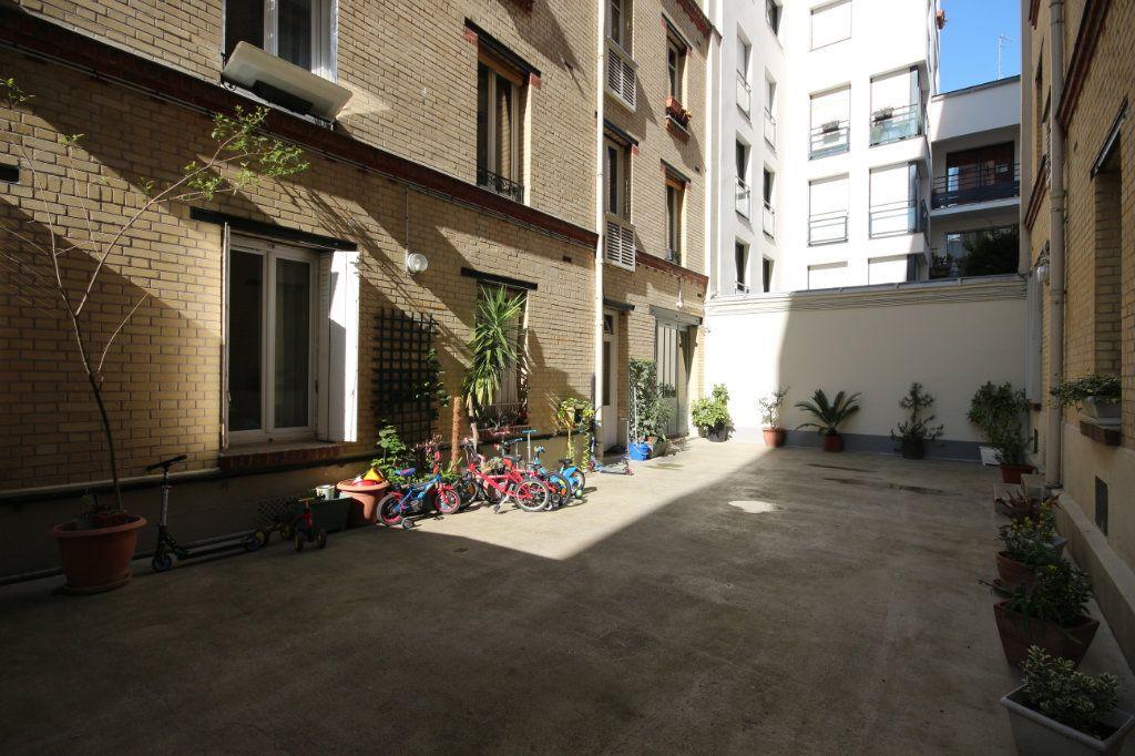 Appartement à vendre 2 31.62m2 à Paris 14 vignette-2
