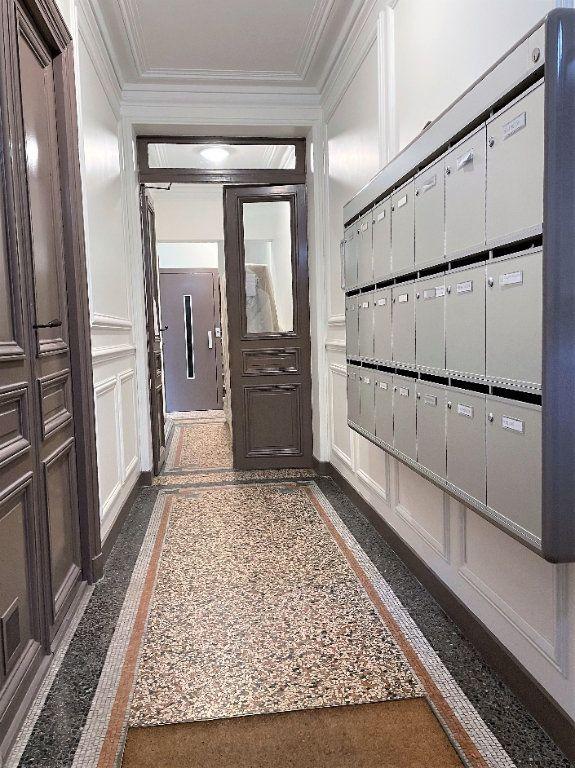 Appartement à vendre 3 57.27m2 à Paris 14 vignette-14