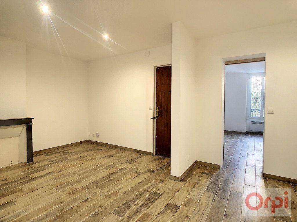 Appartement à louer 2 42m2 à Paris 14 vignette-2