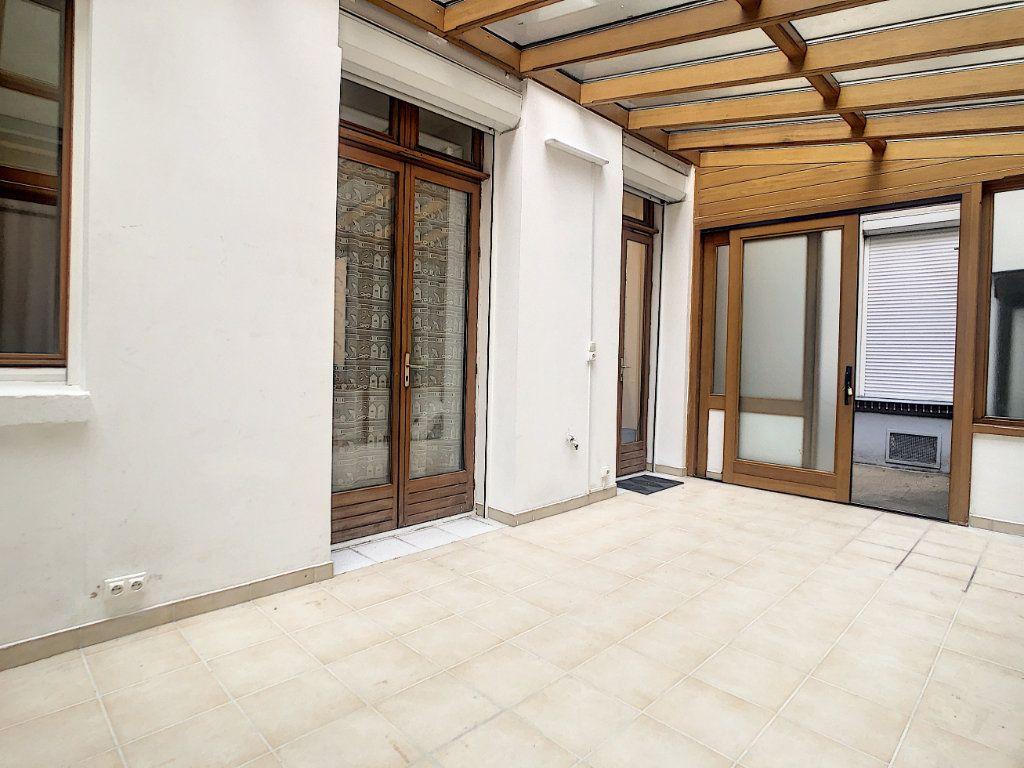 Appartement à louer 3 35.79m2 à Paris 14 vignette-1