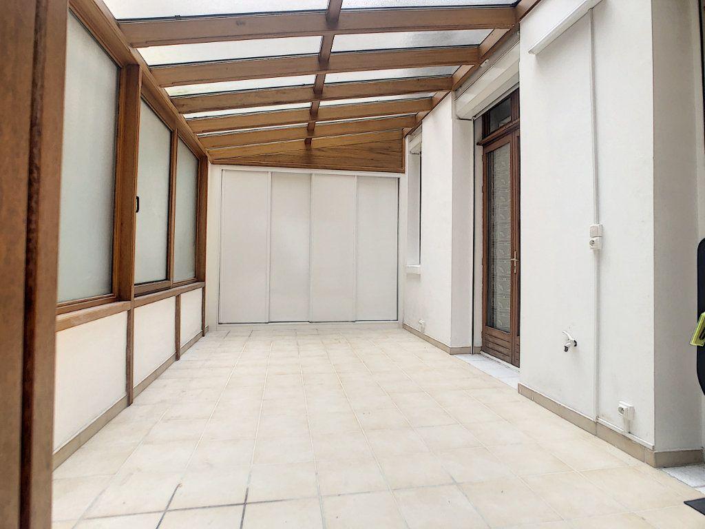 Appartement à louer 3 35.79m2 à Paris 14 vignette-2