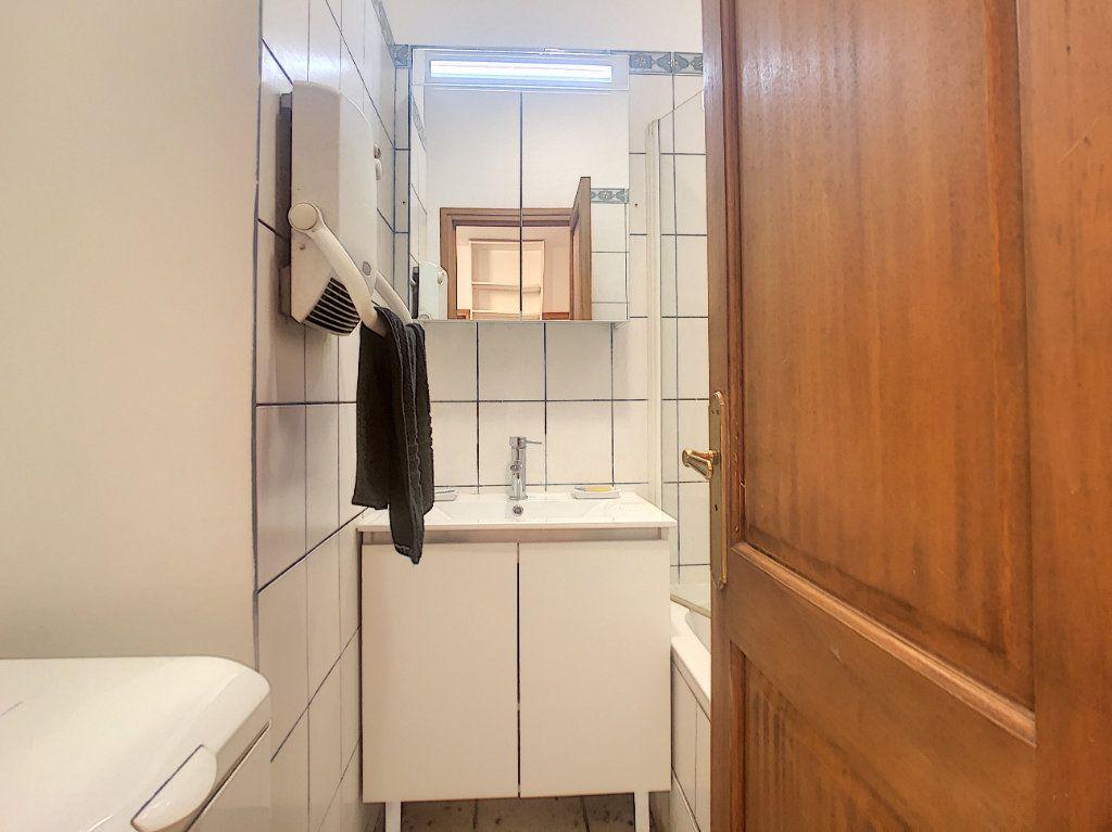 Appartement à louer 3 35.79m2 à Paris 14 vignette-6