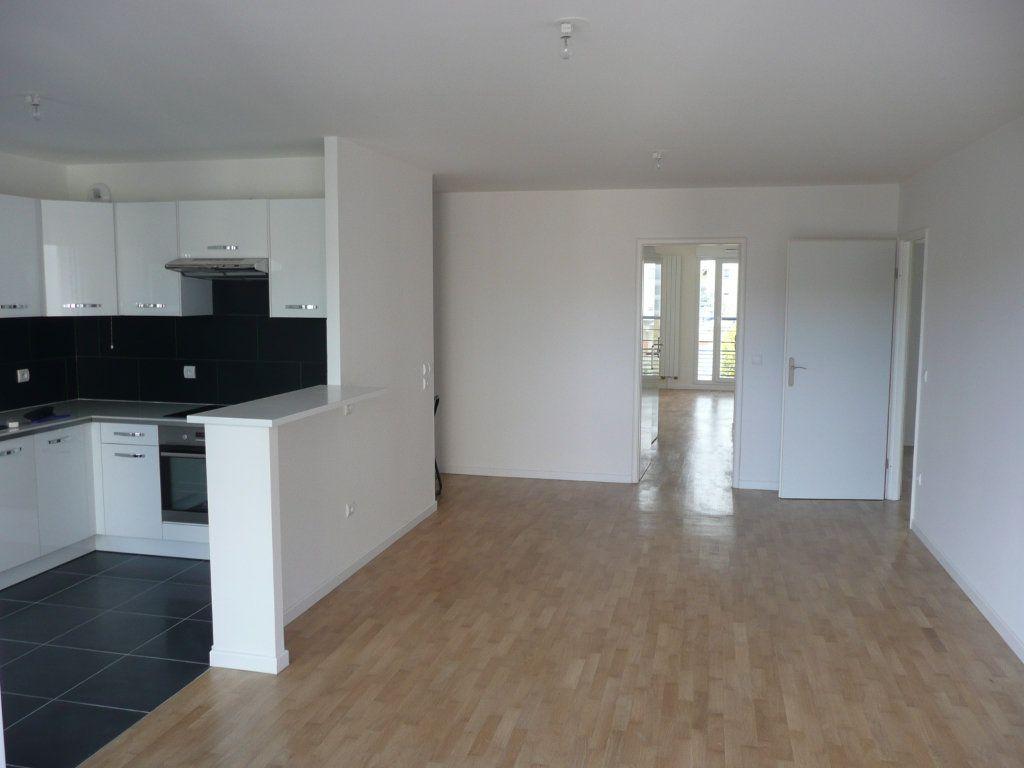 Appartement à louer 4 84.47m2 à Montrouge vignette-3