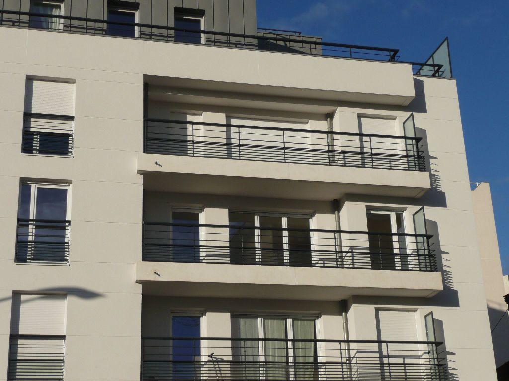 Appartement à louer 4 84.47m2 à Montrouge vignette-11