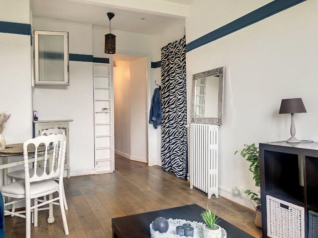 Appartement à louer 2 34.17m2 à Paris 14 vignette-3