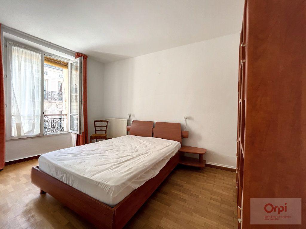 Appartement à louer 2 28m2 à Paris 14 vignette-3