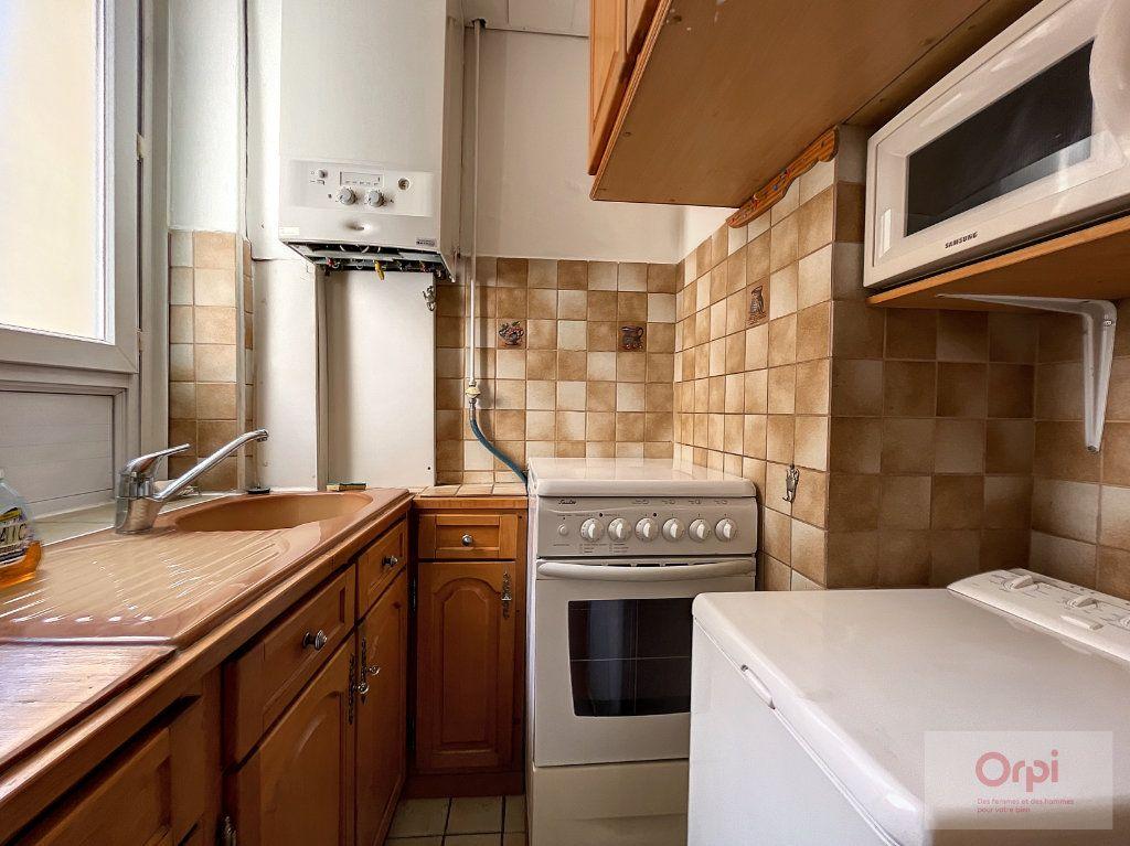 Appartement à louer 2 28m2 à Paris 14 vignette-5