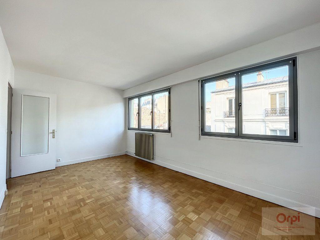 Appartement à louer 2 40m2 à Paris 14 vignette-2
