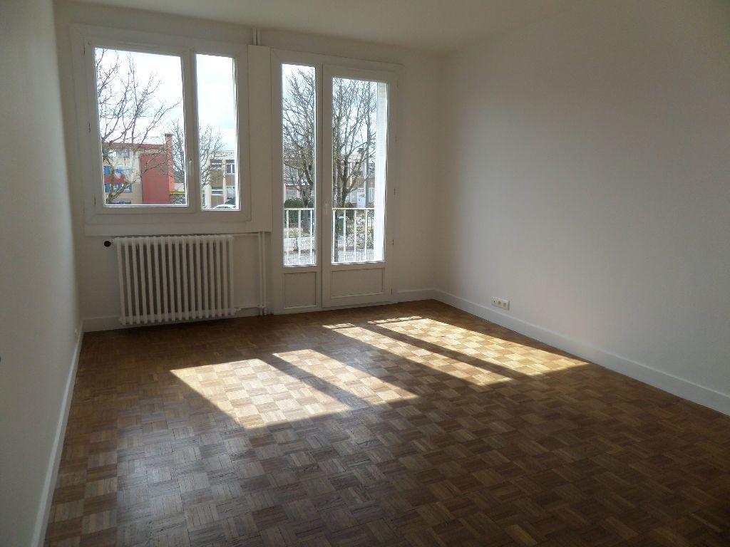 Appartement à louer 3 58m2 à Limoges plan-1