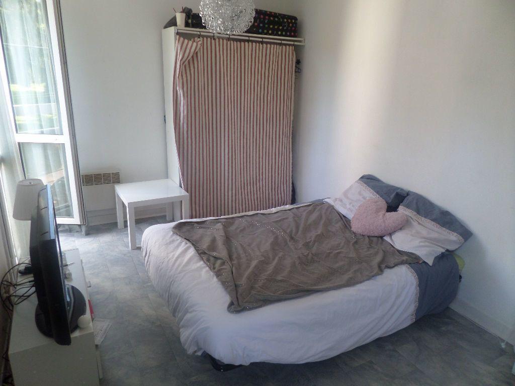 Appartement à louer 1 28.6m2 à Limoges vignette-3