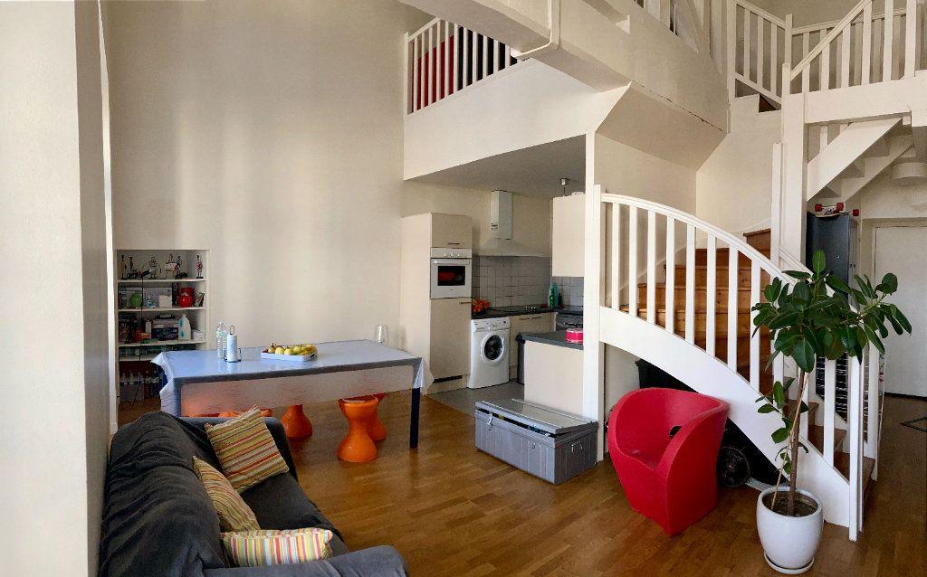 Appartement à louer 5 101m2 à Limoges vignette-2