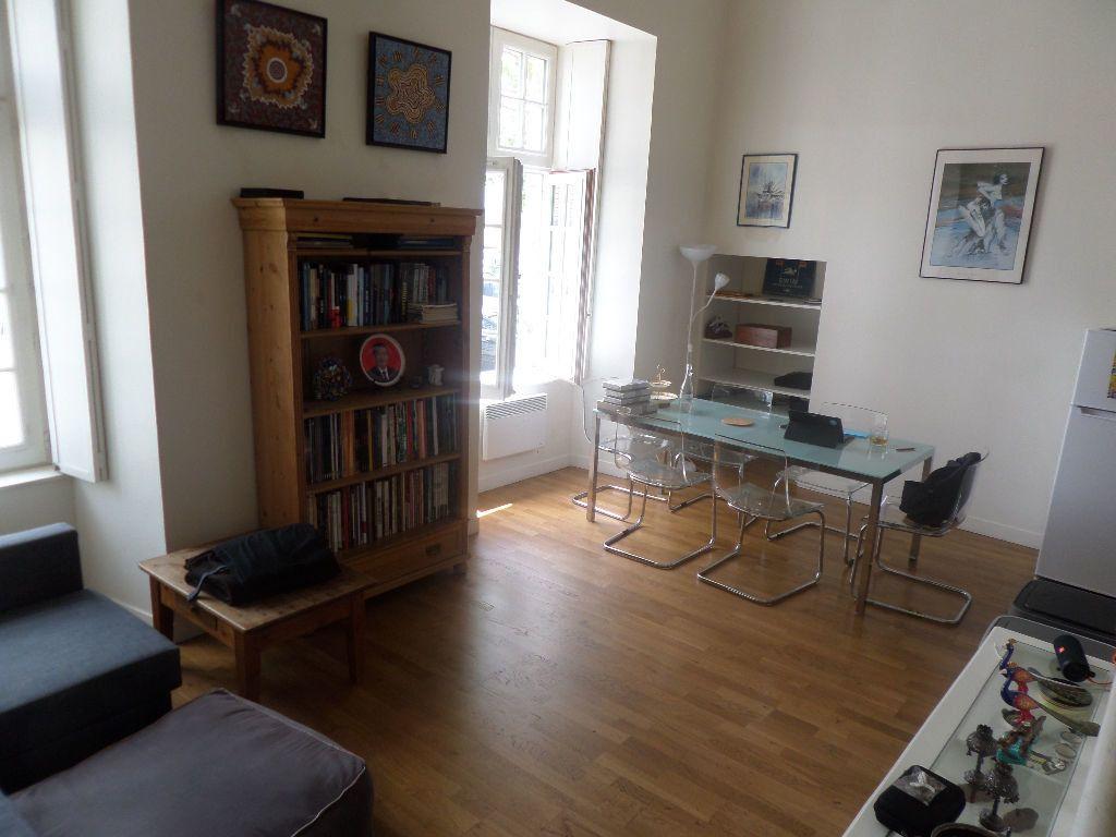 Appartement à louer 5 101m2 à Limoges vignette-3