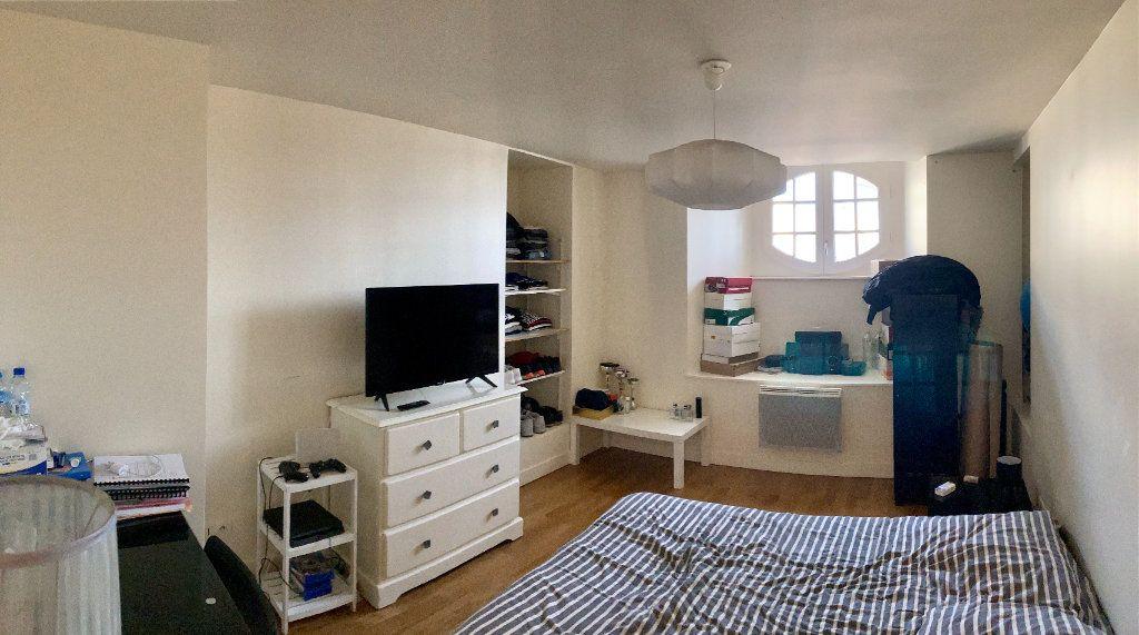 Appartement à louer 5 101m2 à Limoges vignette-8