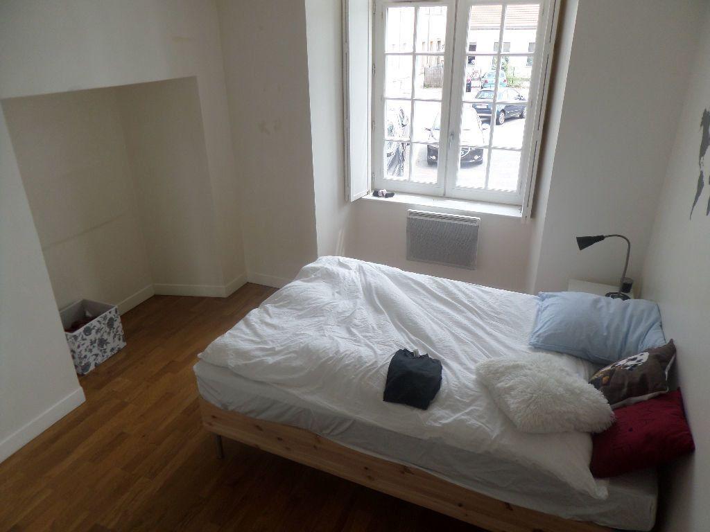 Appartement à louer 5 101m2 à Limoges vignette-10