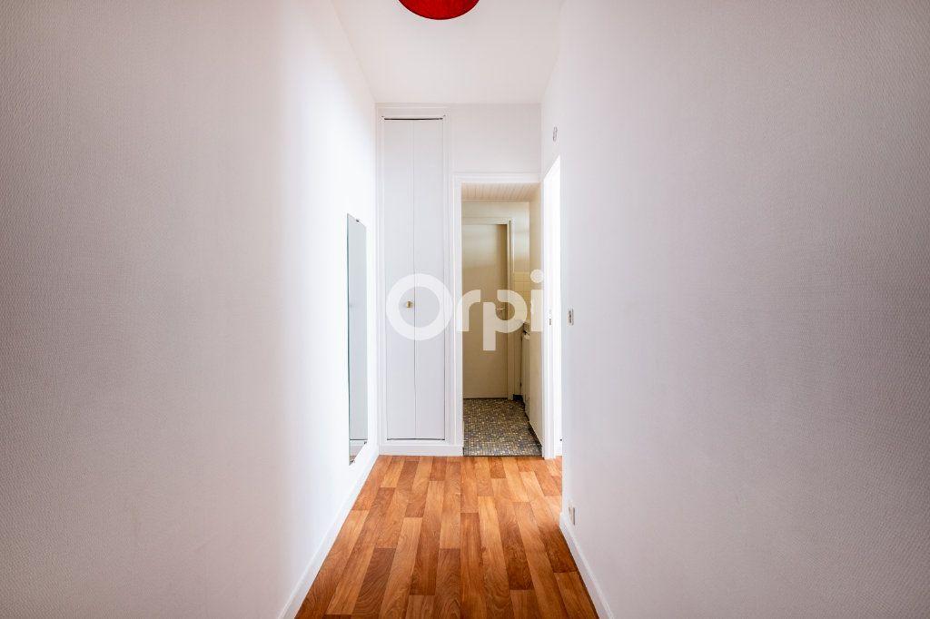 Appartement à louer 1 25m2 à Limoges vignette-1