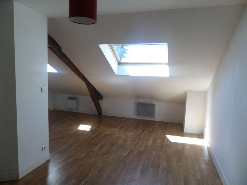 Appartement à louer 1 27m2 à Limoges vignette-2