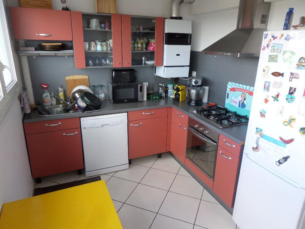 Appartement à louer 2 56.67m2 à Limoges vignette-2