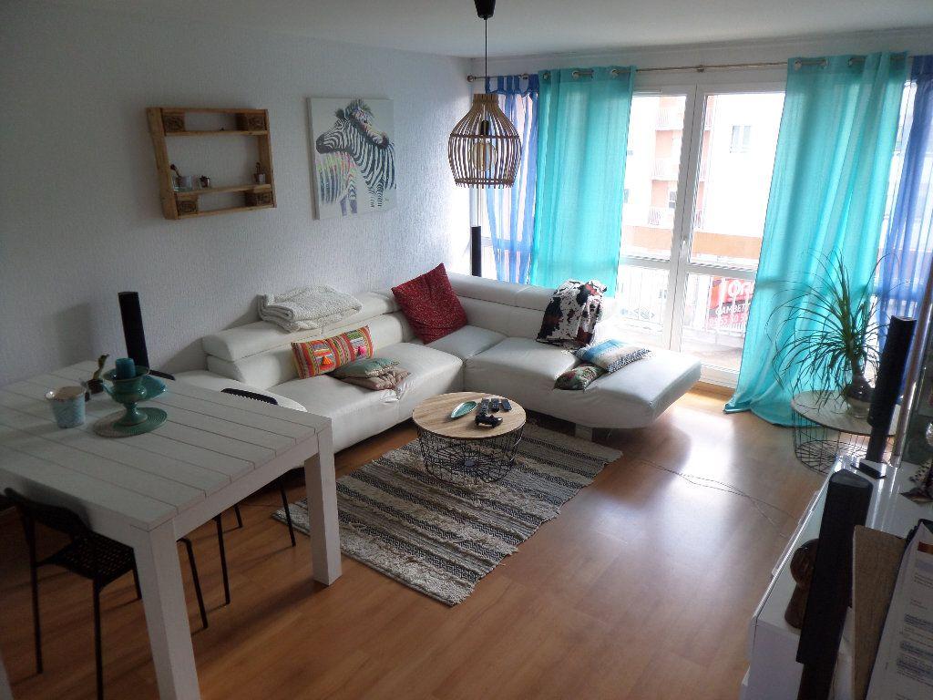 Appartement à louer 2 56.67m2 à Limoges vignette-3