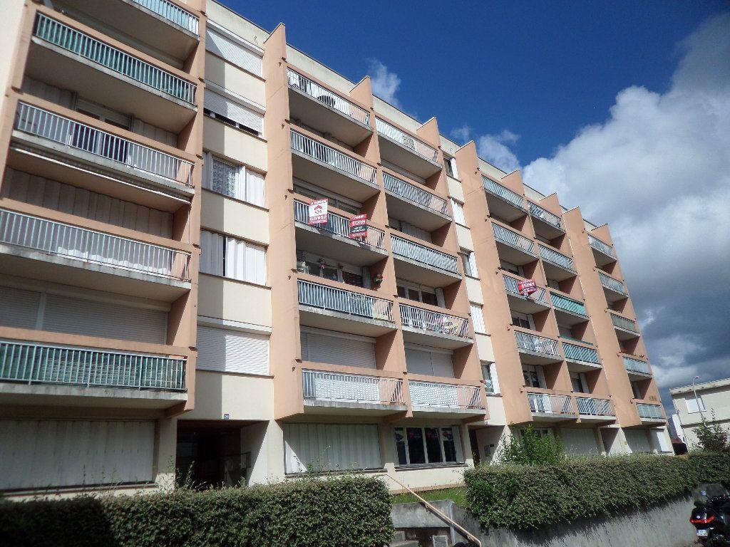 Appartement à louer 2 56.67m2 à Limoges vignette-5