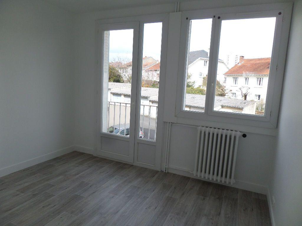 Appartement à louer 3 58m2 à Limoges vignette-9
