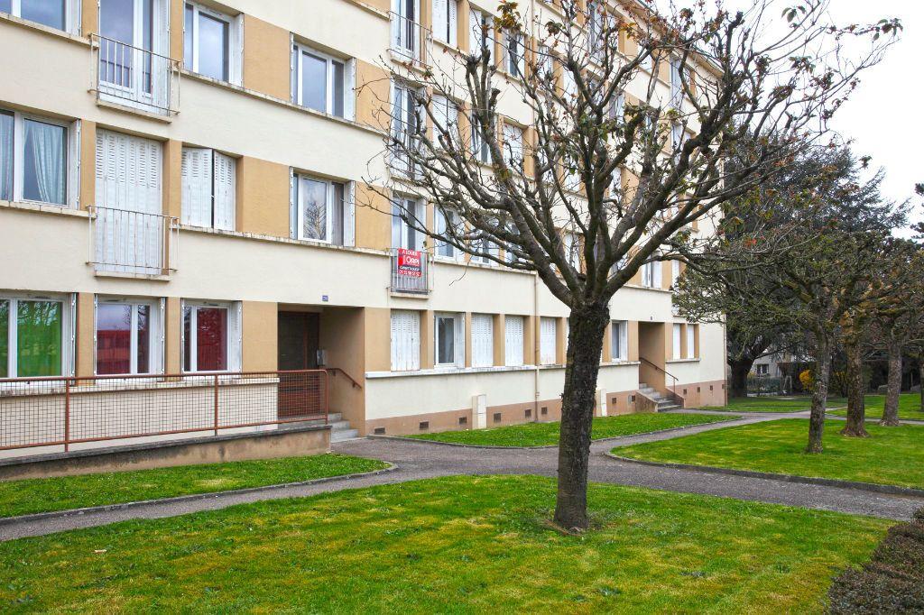 Appartement à louer 3 58m2 à Limoges vignette-11