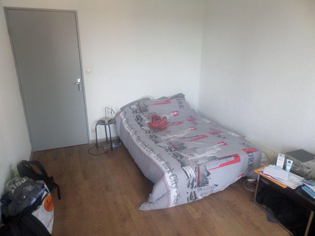 Appartement à louer 1 23.91m2 à Limoges vignette-2