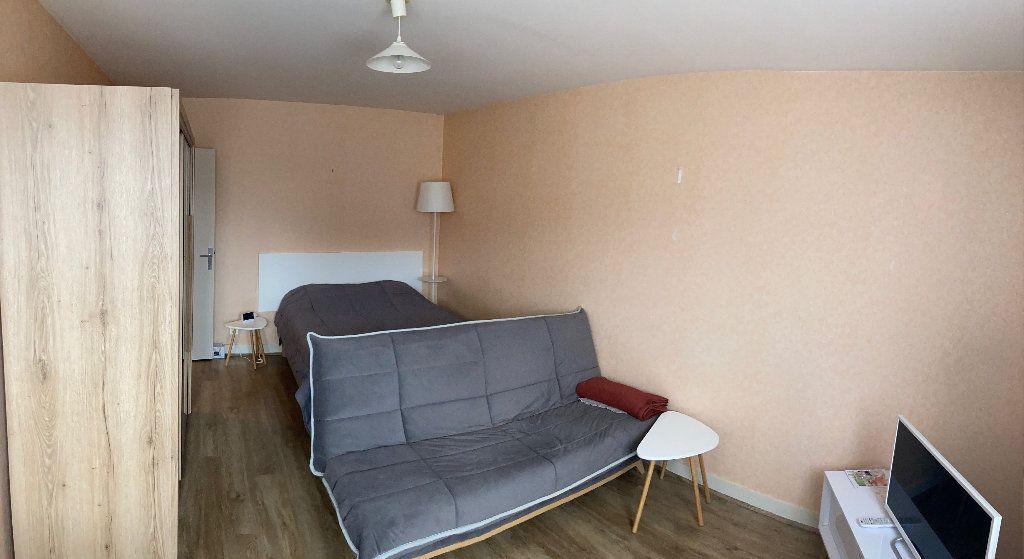 Appartement à louer 1 34m2 à Limoges vignette-1
