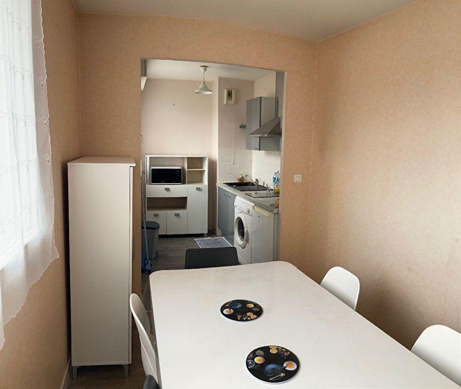 Appartement à louer 1 34m2 à Limoges vignette-2