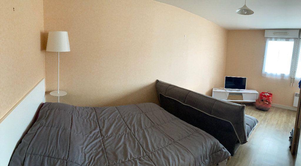 Appartement à louer 1 34m2 à Limoges vignette-3